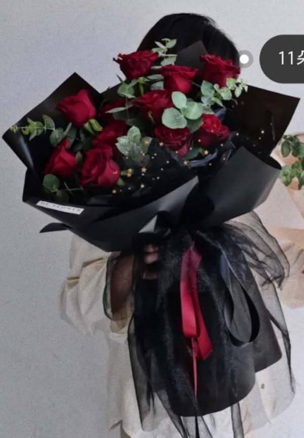 8.25七夕情人节预定生日鲜花11支红玫瑰黑色包装全国包邮
